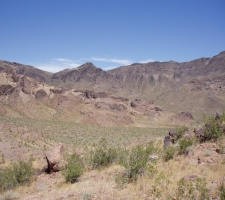 North Entrance hike to Petroglyph Canyon