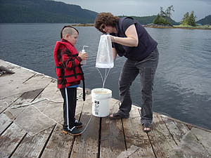 Washing down plankton net